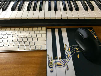what kind of keyboard do I need for piano lessons, buying a piano, starting with a digital piano, electronic keyboard, how to buy a piano