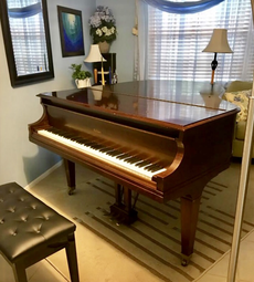 Find a piano teacher, learn piano, photo by Jenny Leigh Hodgins
